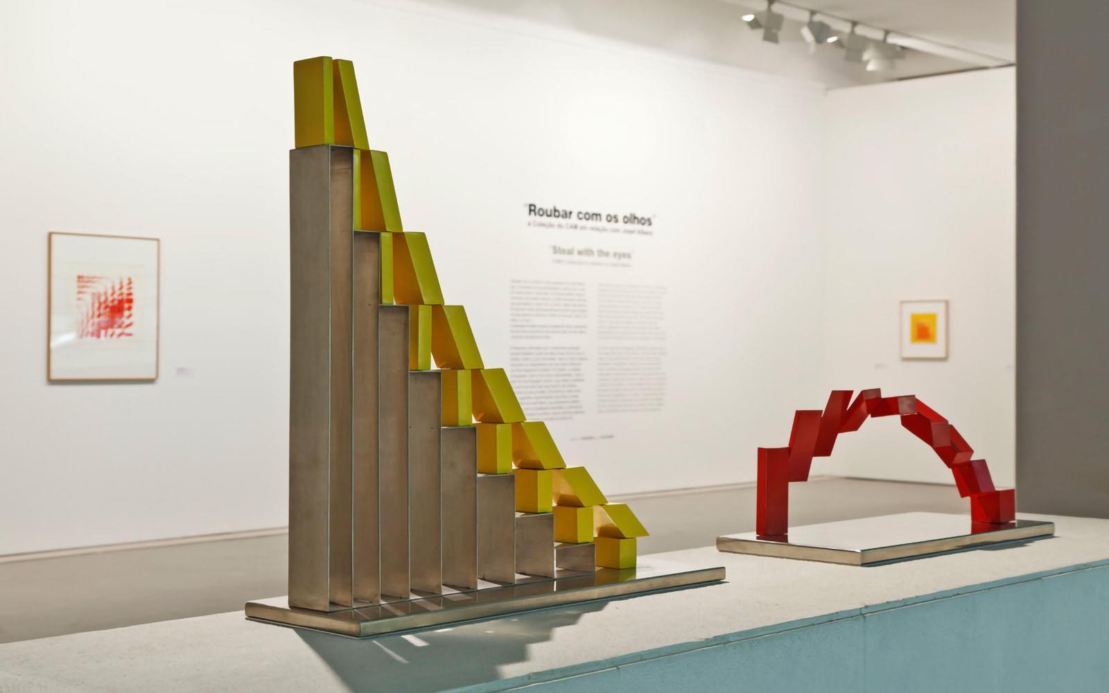 Roubar com os Olhos. A Coleção do CAM em Relação com Josef Albers