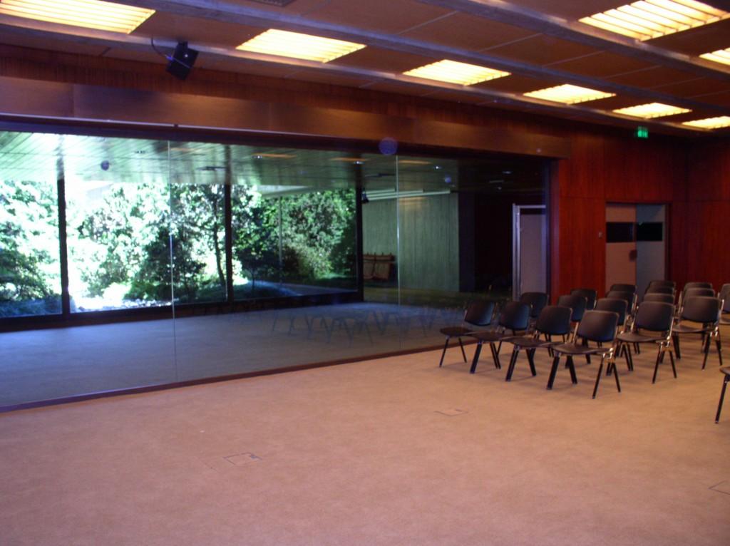 Sala 3: hall, jardim
