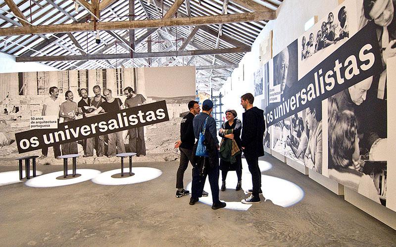 Os Universalistas chegam a Portugal