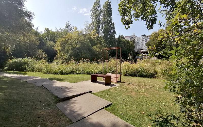 """Installation """"Sonhador num Jardim à minha maneira"""" © DR"""
