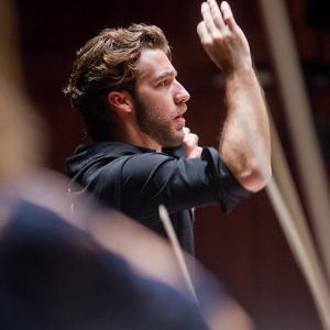 Viotti conducts Mahler