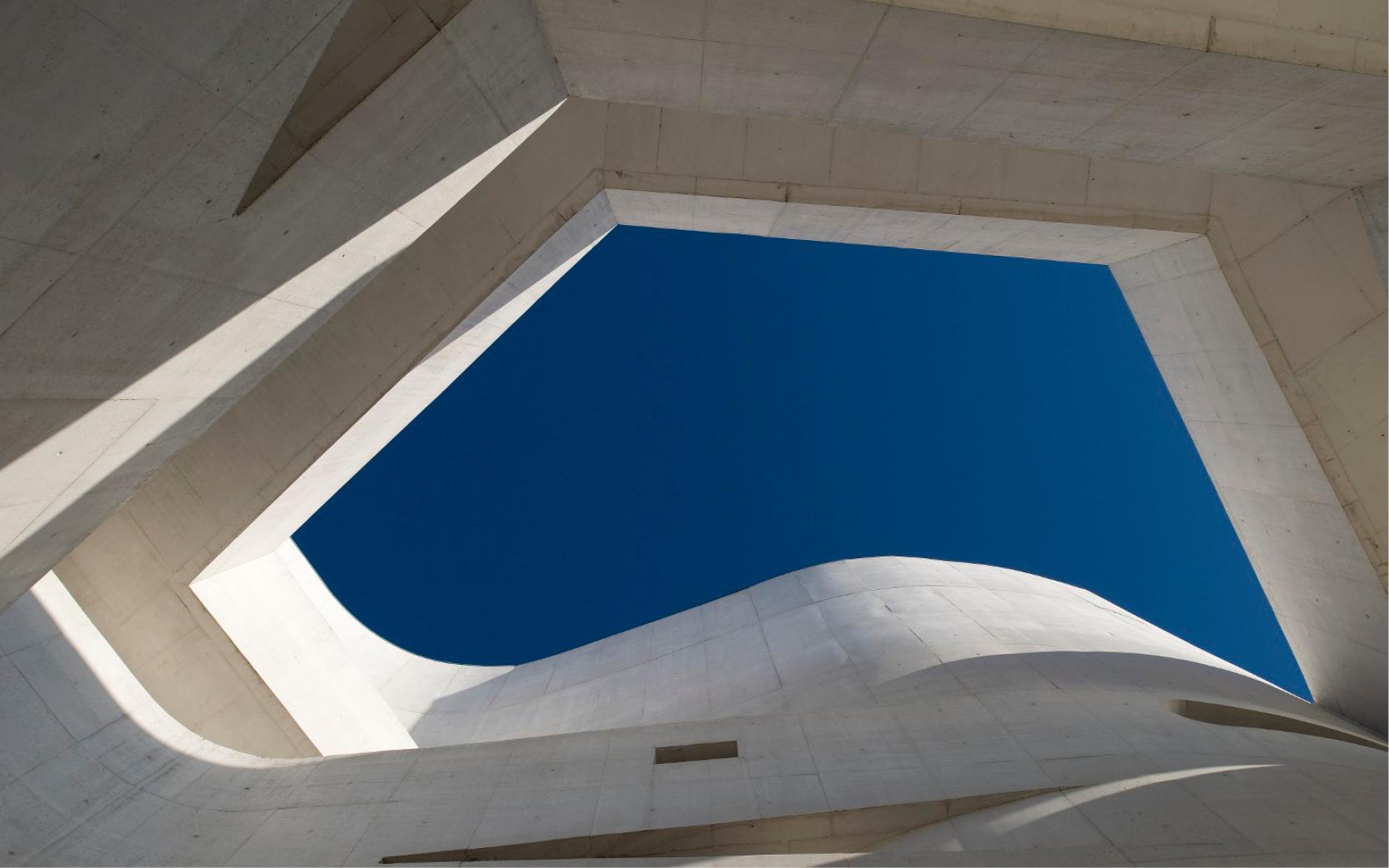 Les universalistes : 50 ans d'architecture portugaise