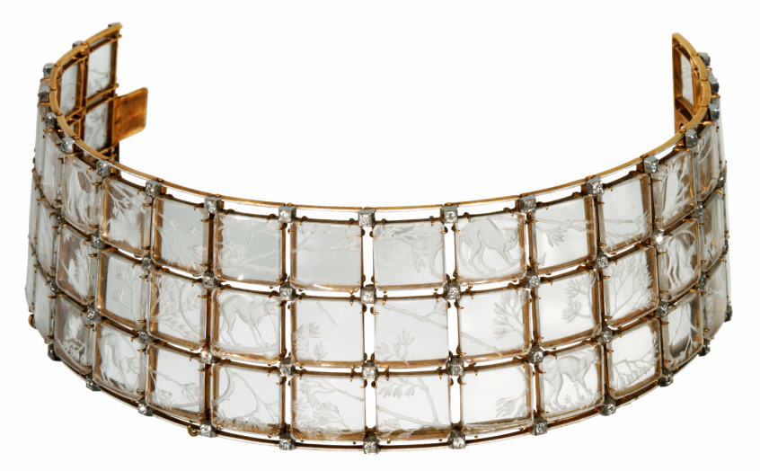 René Lalique, 'Cats' choker, c. 1906-08. Rock crystal, gold and diamonds. Founder's Collection